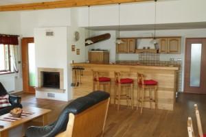 Kuchyň s částí obývacího pokoje